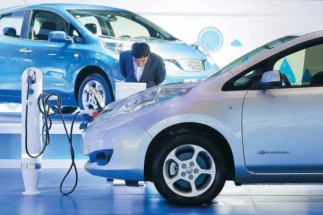 新能源汽车电池包壳体密封解决方案:泡棉胶条替代